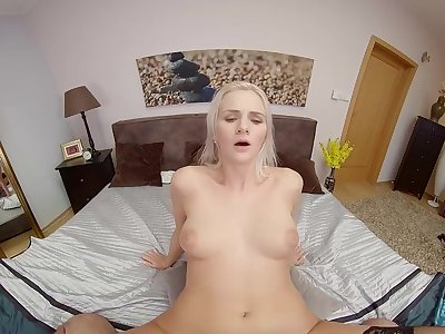 SexBabesVR - 180 VR Porn - Stockings And Sex with Katy Pearl